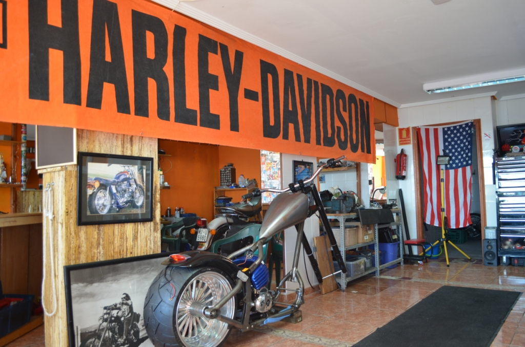 SINNERS CUSTOMS GARAGE abre sus puertas este Domingo.